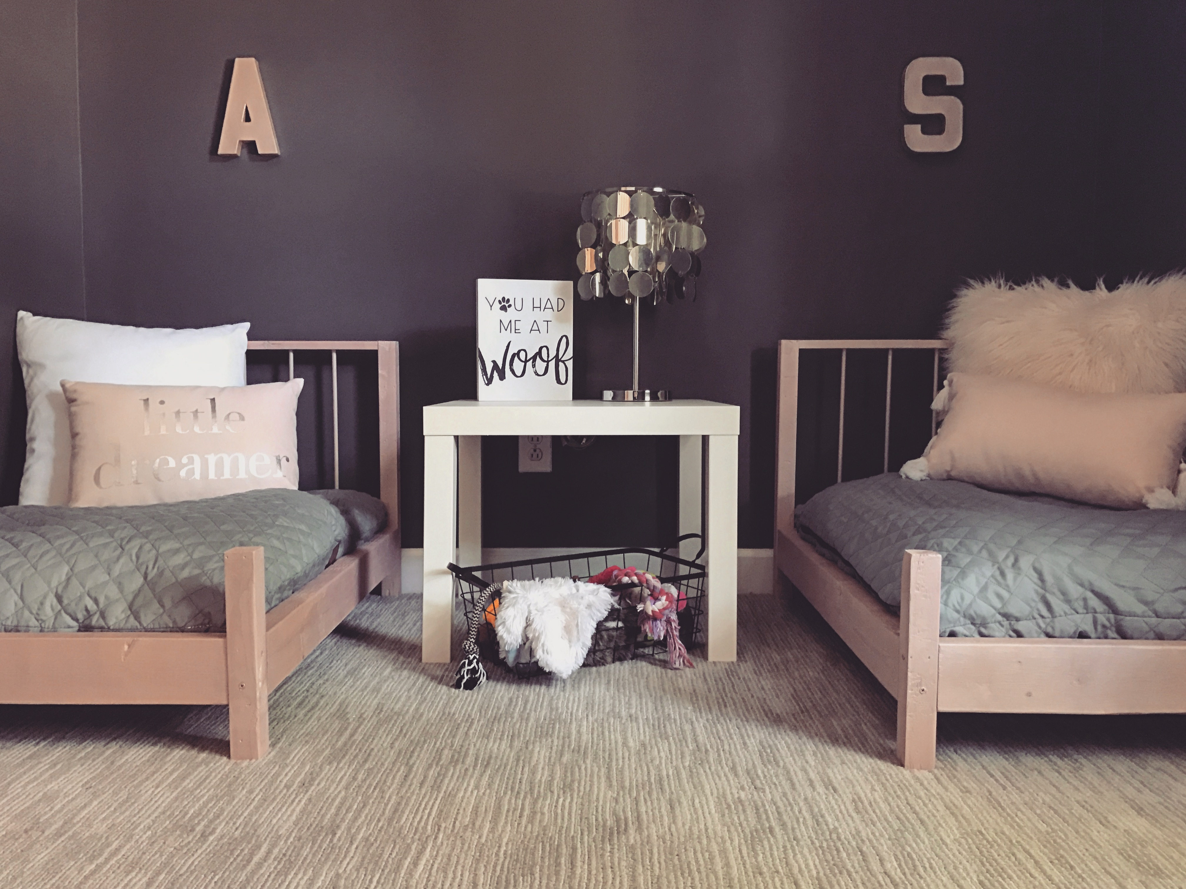 ... Standard Dog Beds Or Pillows, Or You Can Get Crafty And Fashion Your  Own U201cmattressu201d Out Of Upholstery Foam (Iu0027m Still Toying With The Idea Of DIYu0027ing  A ...