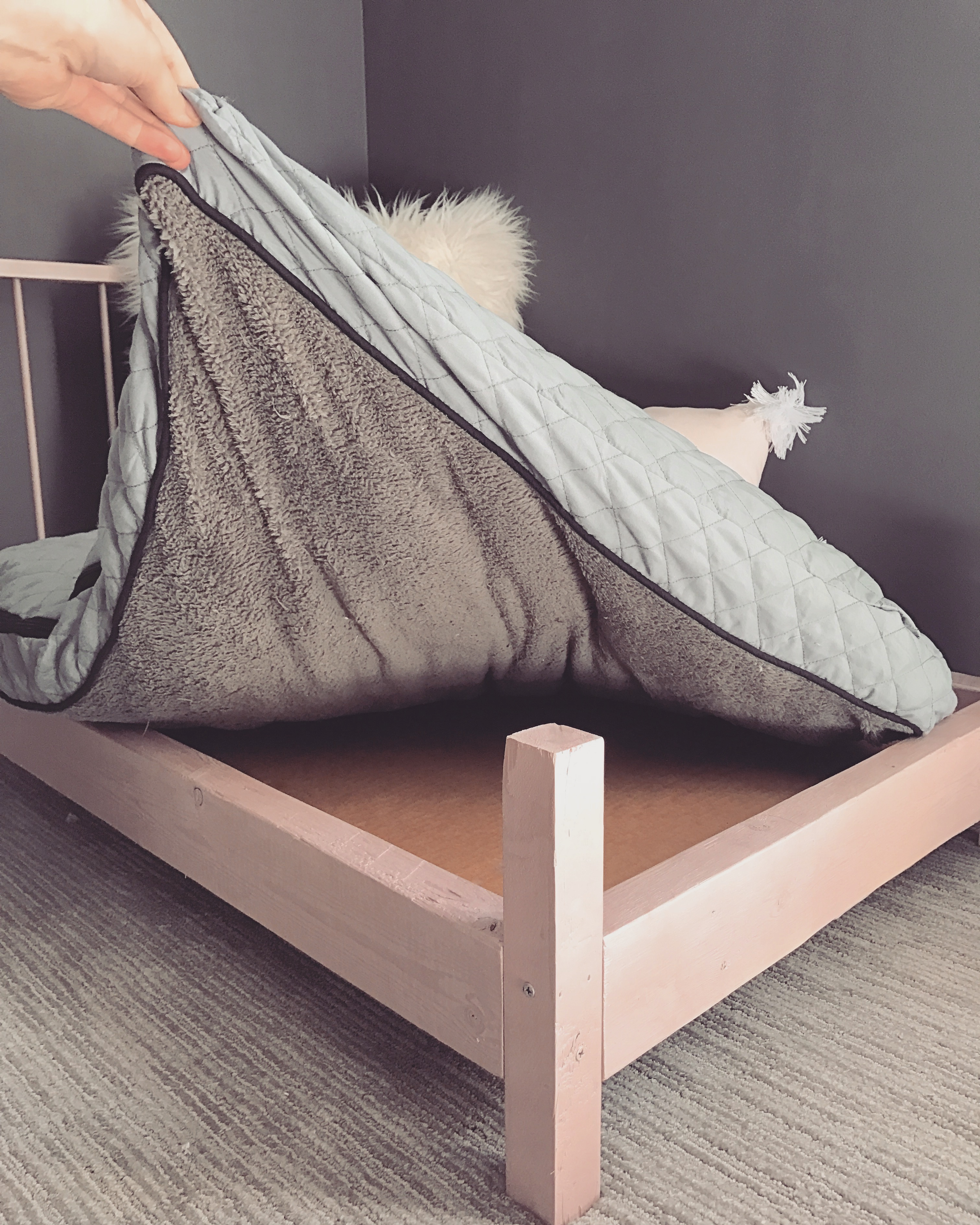 These Pup Bed Frames Can Be Used With Standard Dog Beds Or Pillows, Or You  Can Get Crafty And Fashion Your Own U201cmattressu201d Out Of Upholstery Foam (Iu0027m  Still ...
